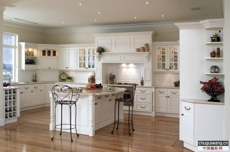 traditional white kitchen design