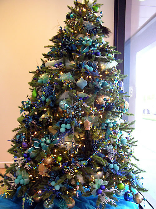 blue tree Christmas decoration ideas