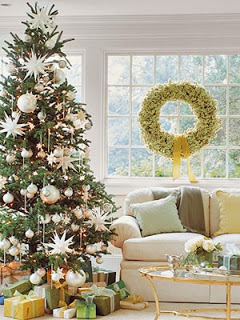 green monochromatic Christmas decoration theme ideas