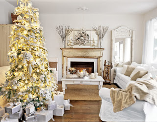 white and creme monochromatic Christmas decoration theme