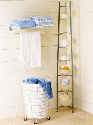 Maximize The Minimalist: Small Bathroom Storage Ideas to Make