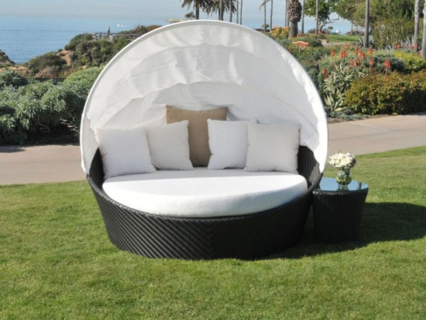 outdoor daybed for creating relaxing garden