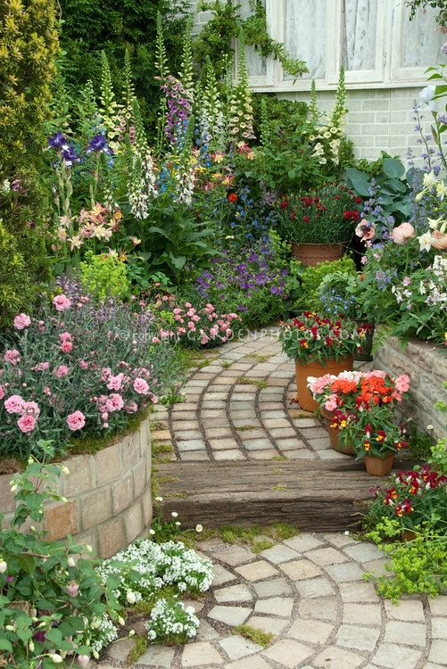 beautiful garden with perfect grouping plants