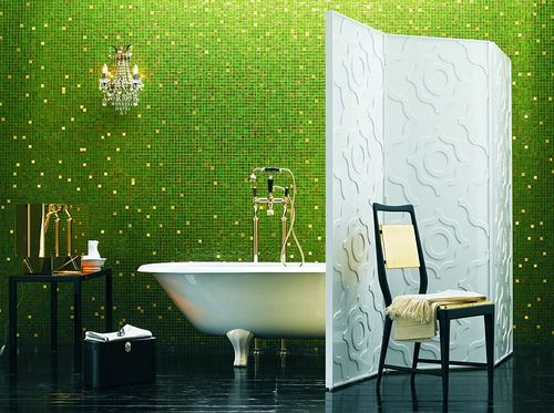 green wall bathroom design ideas