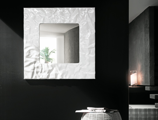 black and white beautiful decorative mirror